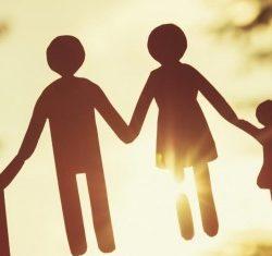Benefici dell'acqua alcalina per la famiglia
